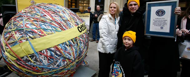 World S Largest Rubber Band Ball Builds Officemax S Brand